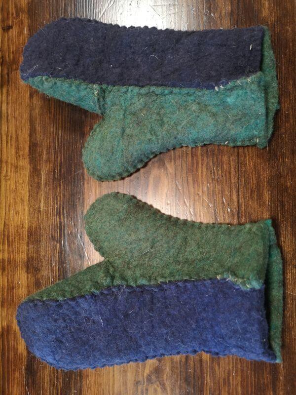 Woollen mittens